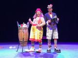 Duo de clowns pour l'arbre de Noël d'une mairie (60)